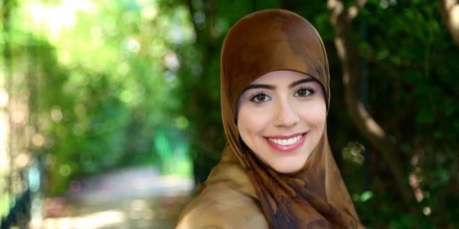 الشاعرة سارة الزين