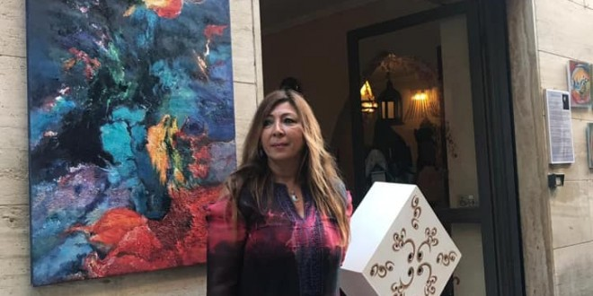 التشكيلية اللبنانية الإيطالية ميادة نزهة جلوس